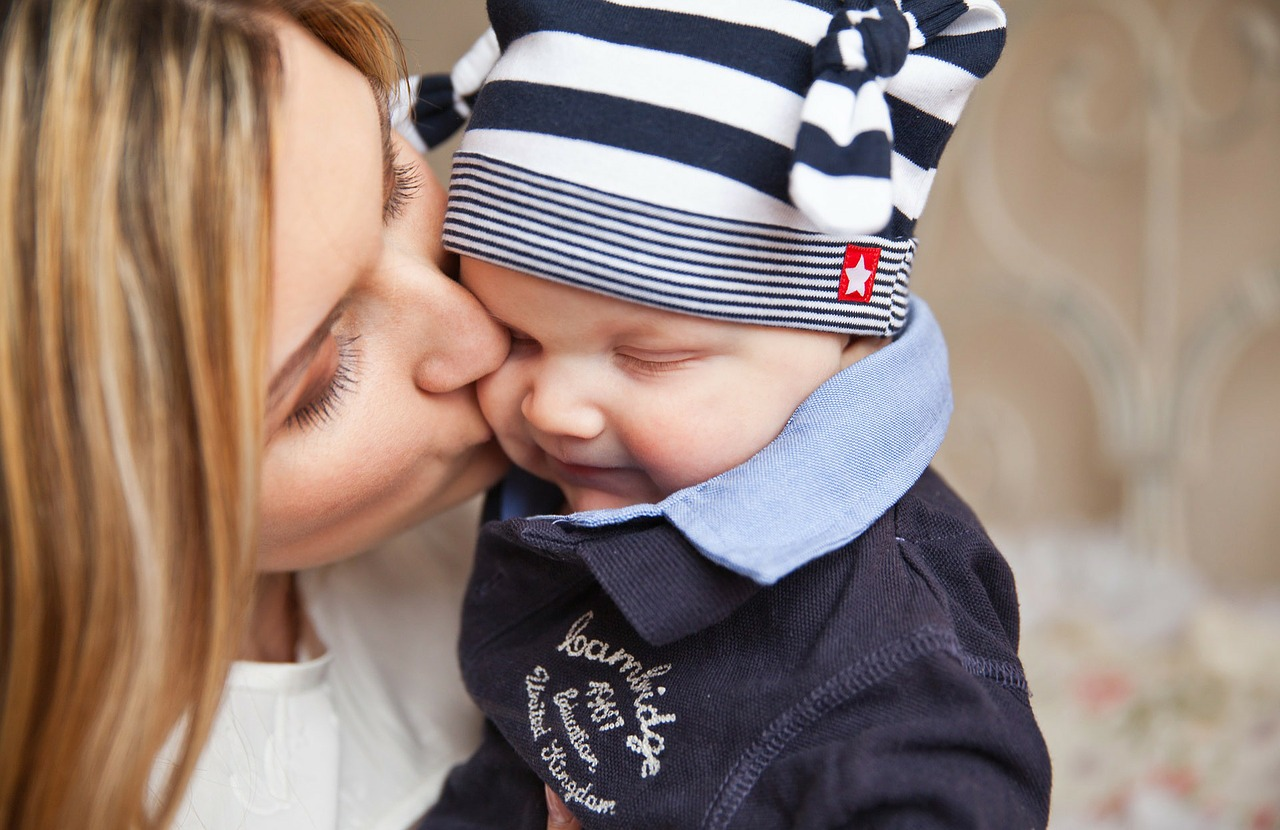 Image - baby baby with mom mother kiss